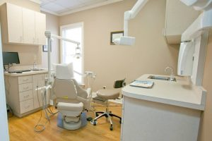 Dental room at Dunwoody Family & Cosmetic Dentistry.